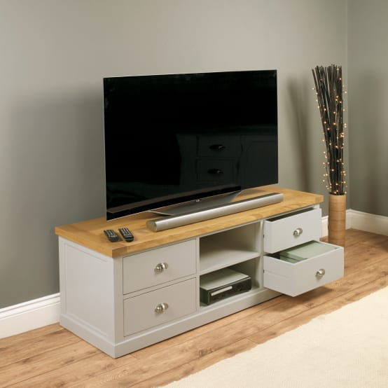 TV & Entertainment in the Living Room