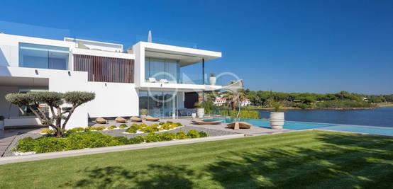 Moradia Moderna e Luxuosa com 8 Quartos à venda na Quinta do Lago