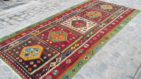 What makes Turkish rugs great? How you can read the design of a Turkish rug