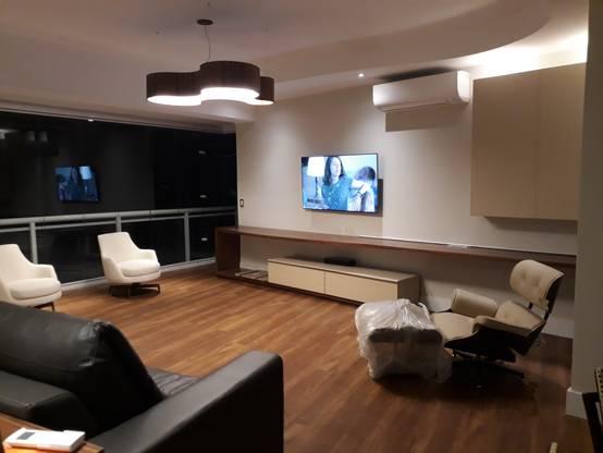 Antes e depois: reforma de apartamento grande e moderno em Santos
