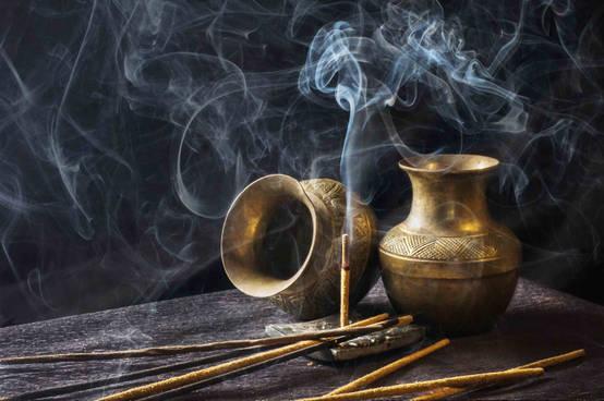 Feng Shui, Radiästhesie und Lichtrituale für ein gesünderes und harmonischeres Wohngefühl