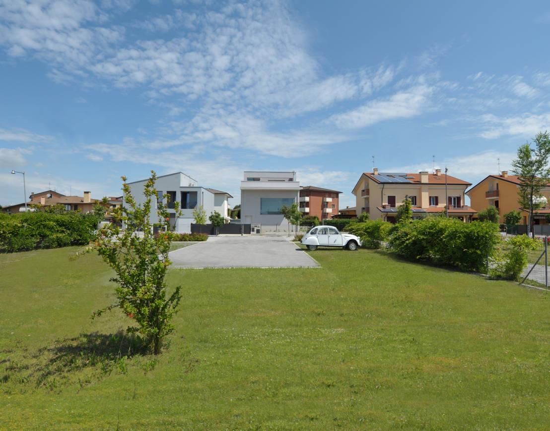 Casa unifamiliare di michele gambato architetto mgark for Consulenza architetto gratuita
