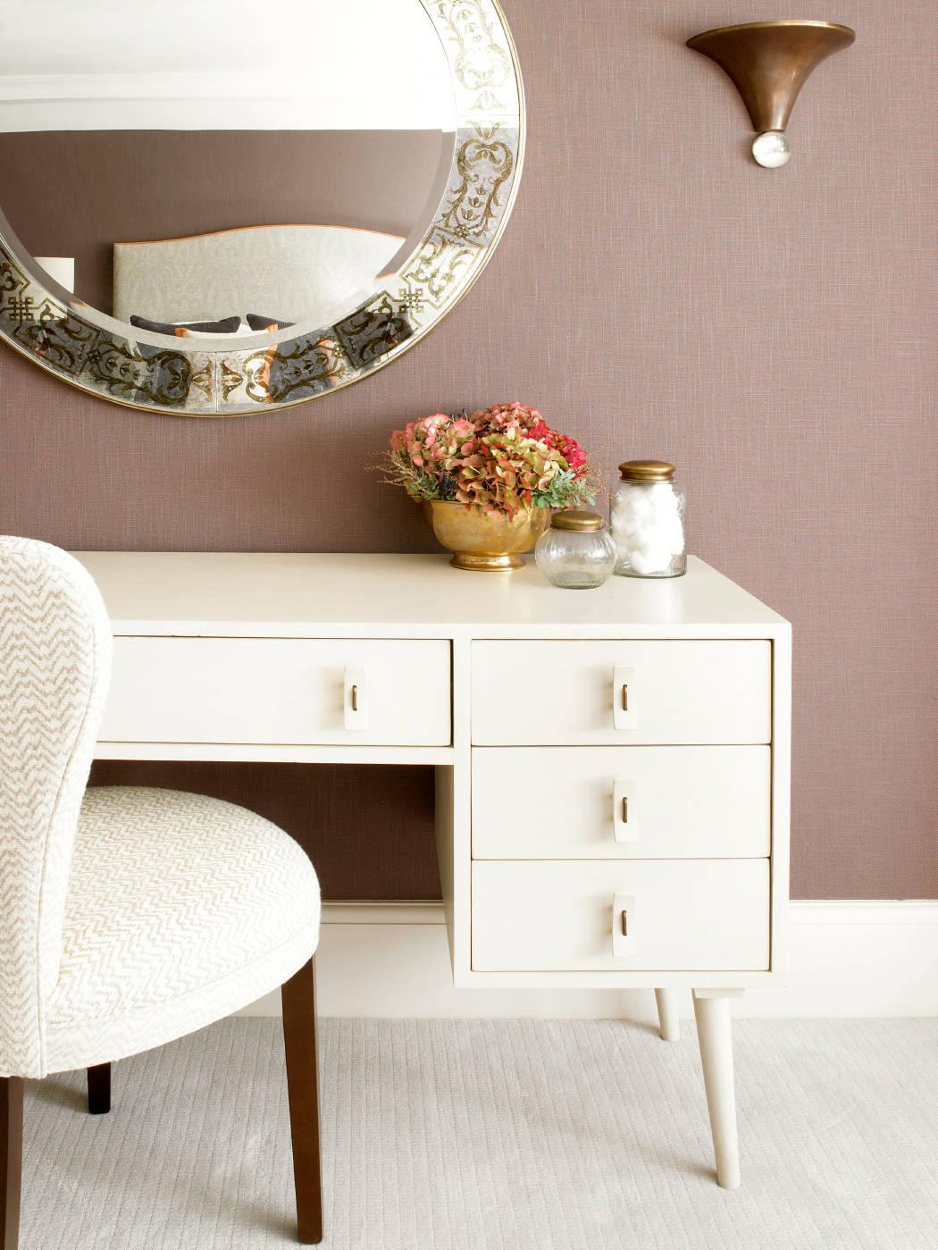 der perfekte schminktisch einrichtung dekoration und aufbewahrung. Black Bedroom Furniture Sets. Home Design Ideas