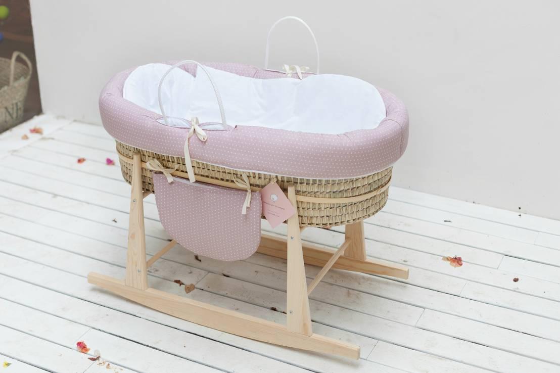 Notti serene nelle culle in vimini - Cesta porta neonato ...