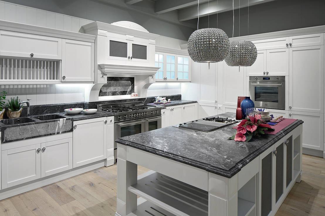 Anche i pensili per cucina sono ergonomici - Verniciare pensili cucina ...