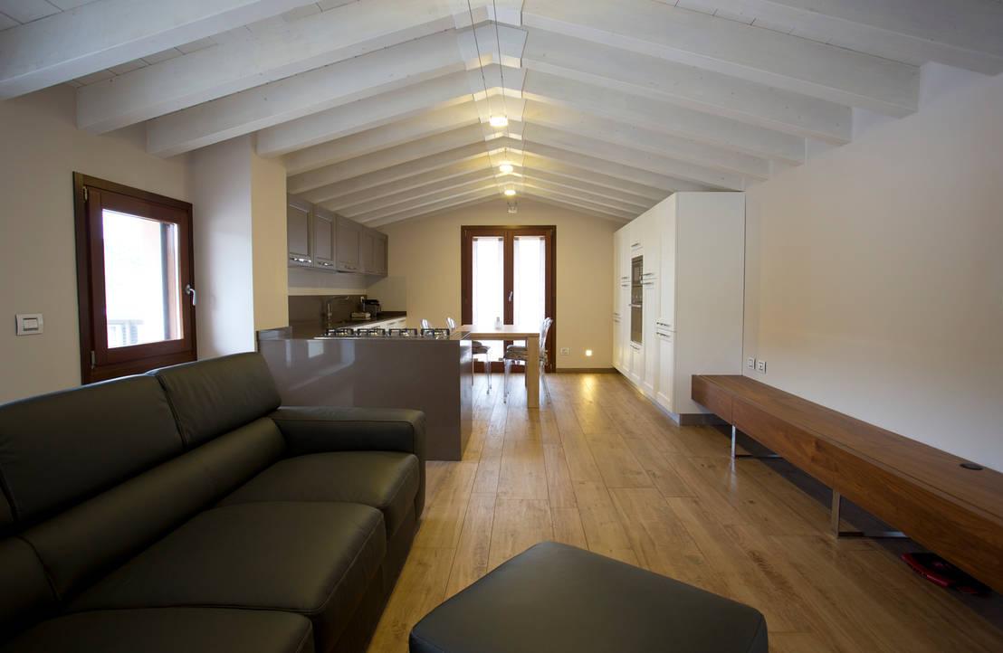 una mansarda moderna che sa essere open space