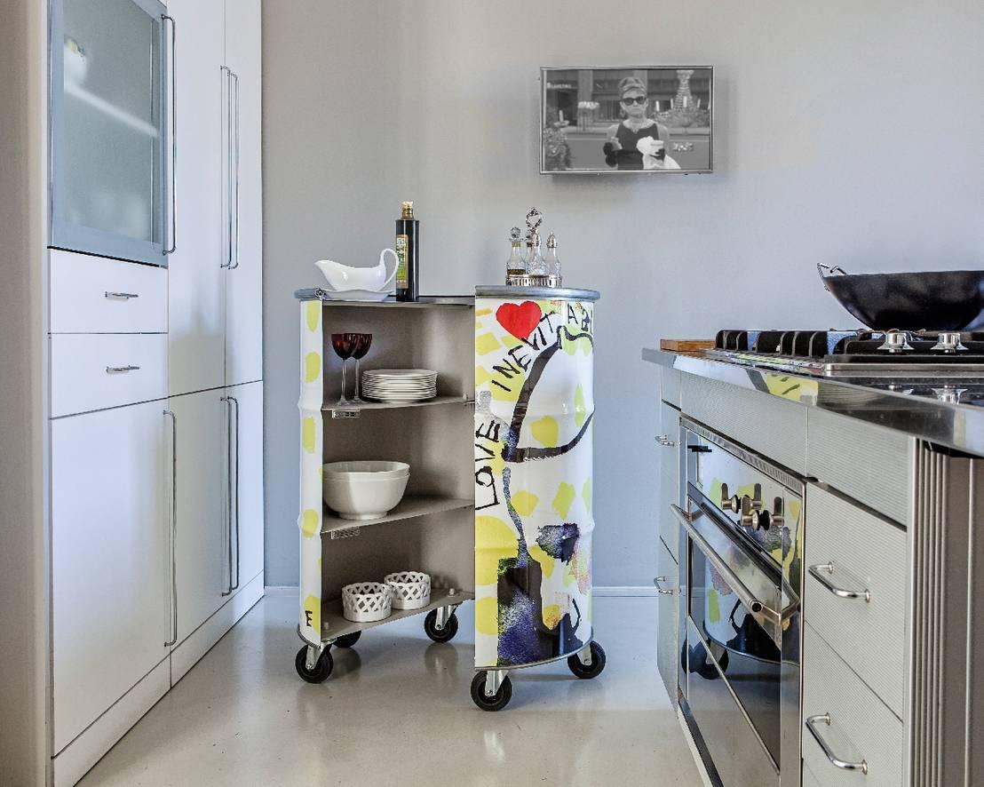 Fai da te e riciclo creativo per mobili moderni i mille for Cucina giocattolo fai da te