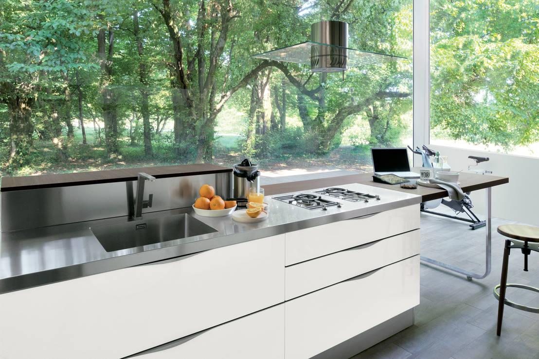 10 idee per una cappa da cucina sorprendente - Cucine con cappa centrale ...