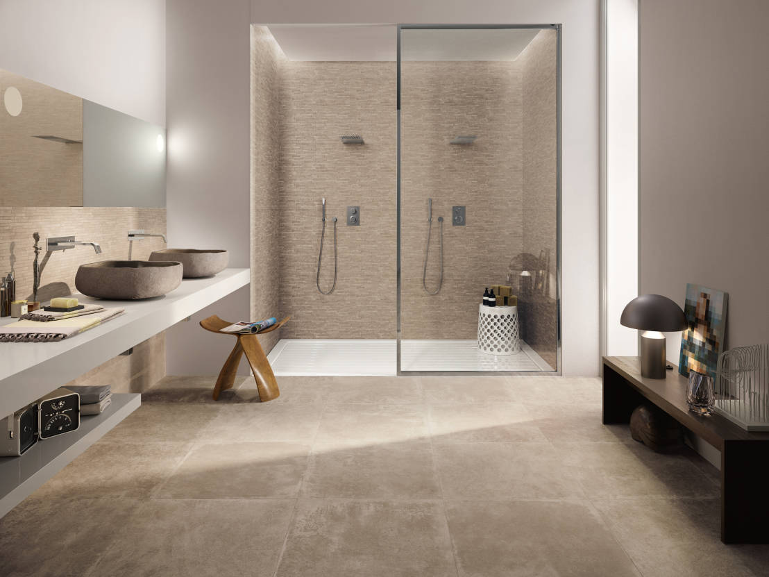 Petra de emilceramica group homify for Peut on peindre le carrelage de la douche