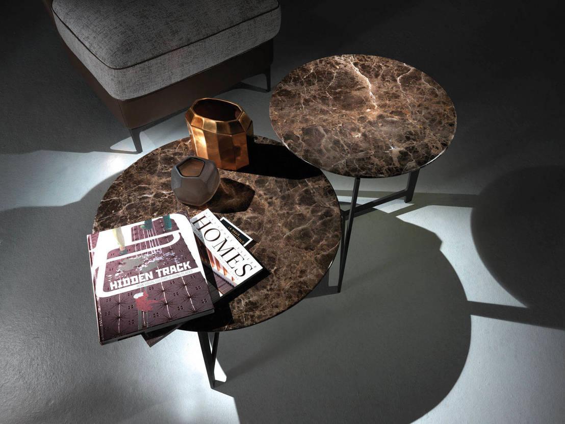 Runde couch und beistelltische for Couch und beistelltische
