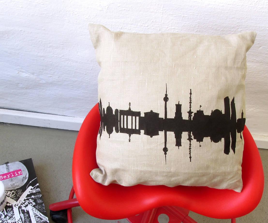coole kissen aus berlin. Black Bedroom Furniture Sets. Home Design Ideas