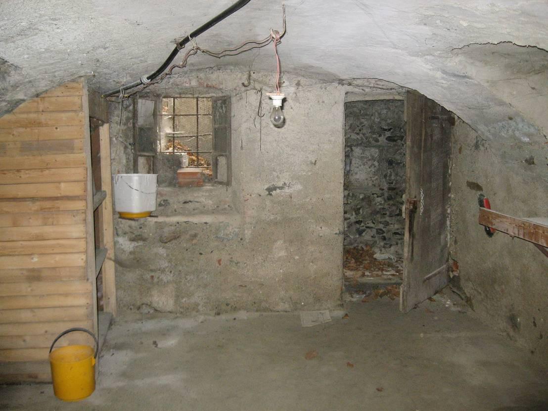 Prima e dopo da rudere a casa in stile rustico - Tanta polvere in casa ...