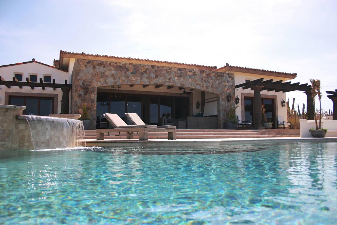 5 residencias que te invitar n a so ar y lanzarte a la for Sonar con piscina