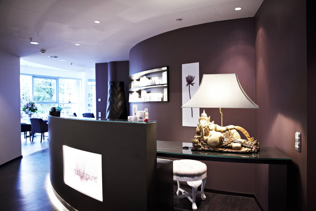 Delightful and pure luxe spa in het hart van hamburg for Lux salon and spa