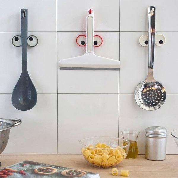 Cocinar con peques accesorios divertidos de cocina for Colgador utensilios cocina
