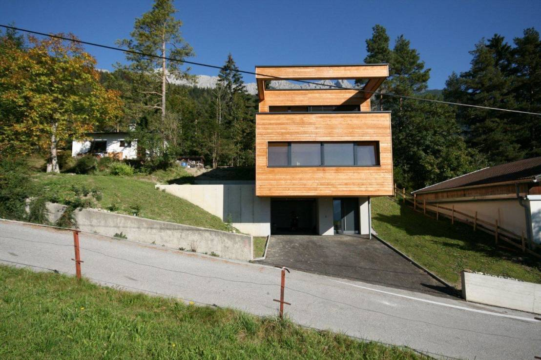 passivhaus aus holz f r eine familie. Black Bedroom Furniture Sets. Home Design Ideas