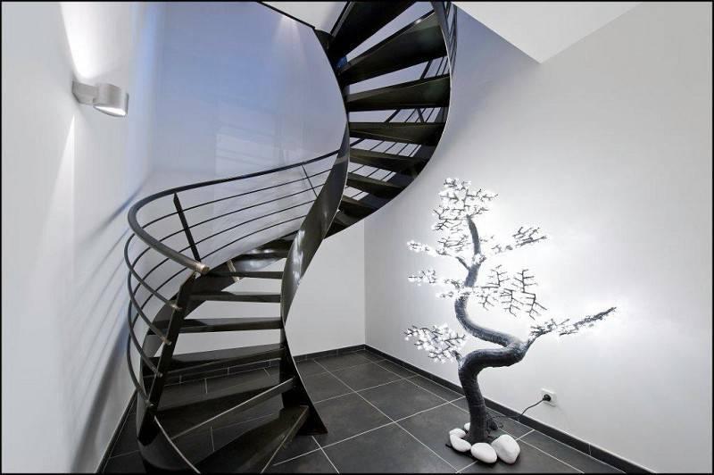 7 escaliers pour tre au septi me ciel. Black Bedroom Furniture Sets. Home Design Ideas