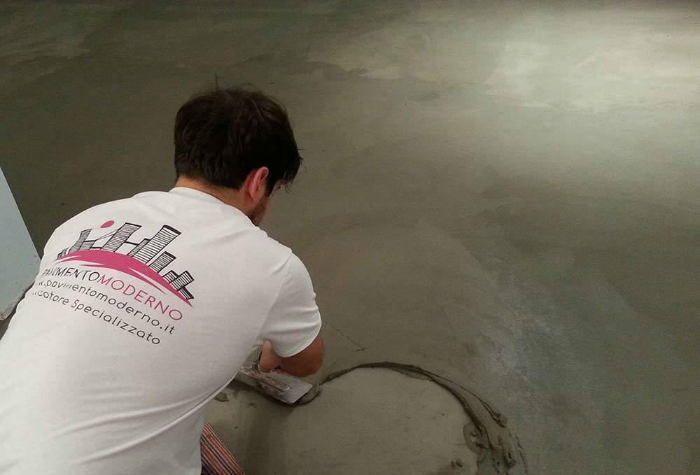 Pavimenti in cemento per interni spatolato a mano di for Pavimento in cemento