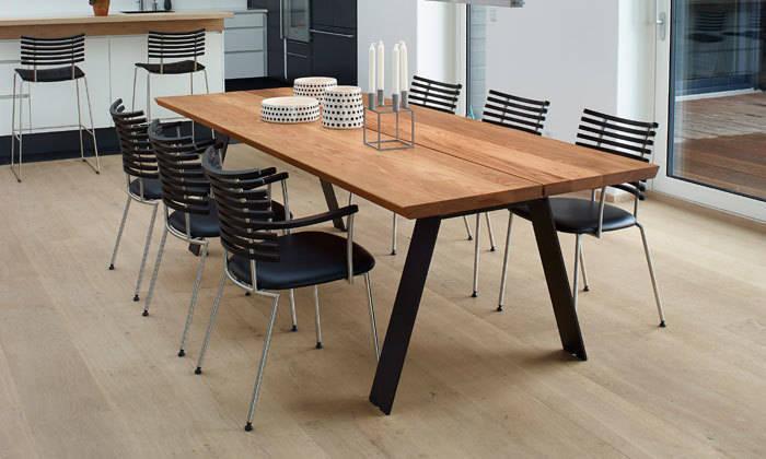 Plank table de repas design scandinave par le studio des for Table repas style industriel