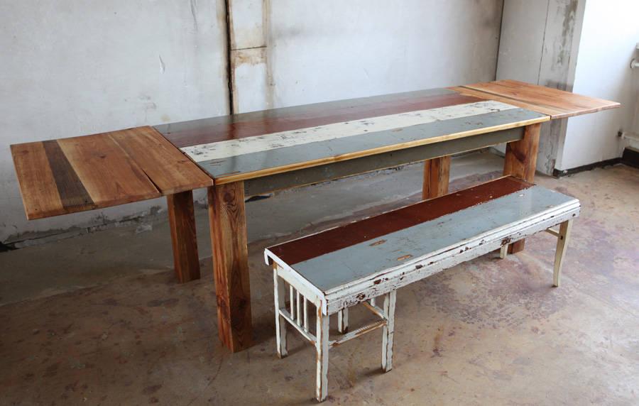 tisch aus alten berliner dielen und dachbalken de dielerei homify. Black Bedroom Furniture Sets. Home Design Ideas