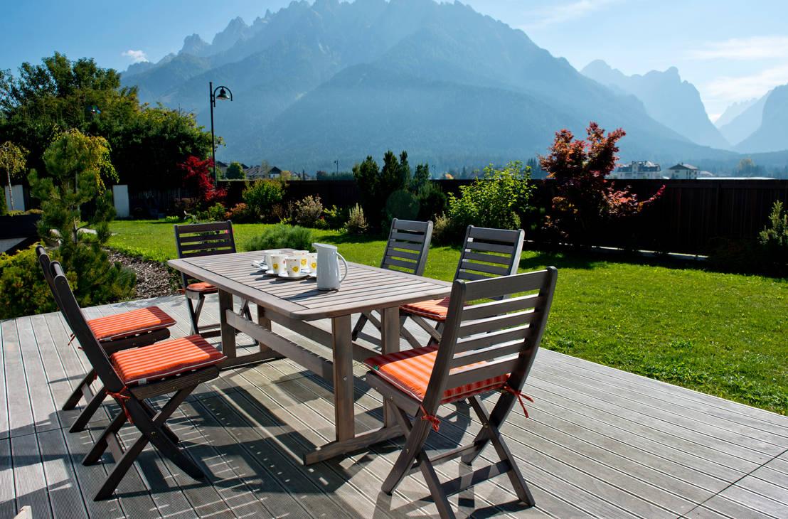 Tavoli e sedie da giardino per un cortile che ti rispecchia for Tavoli e sedie per giardino