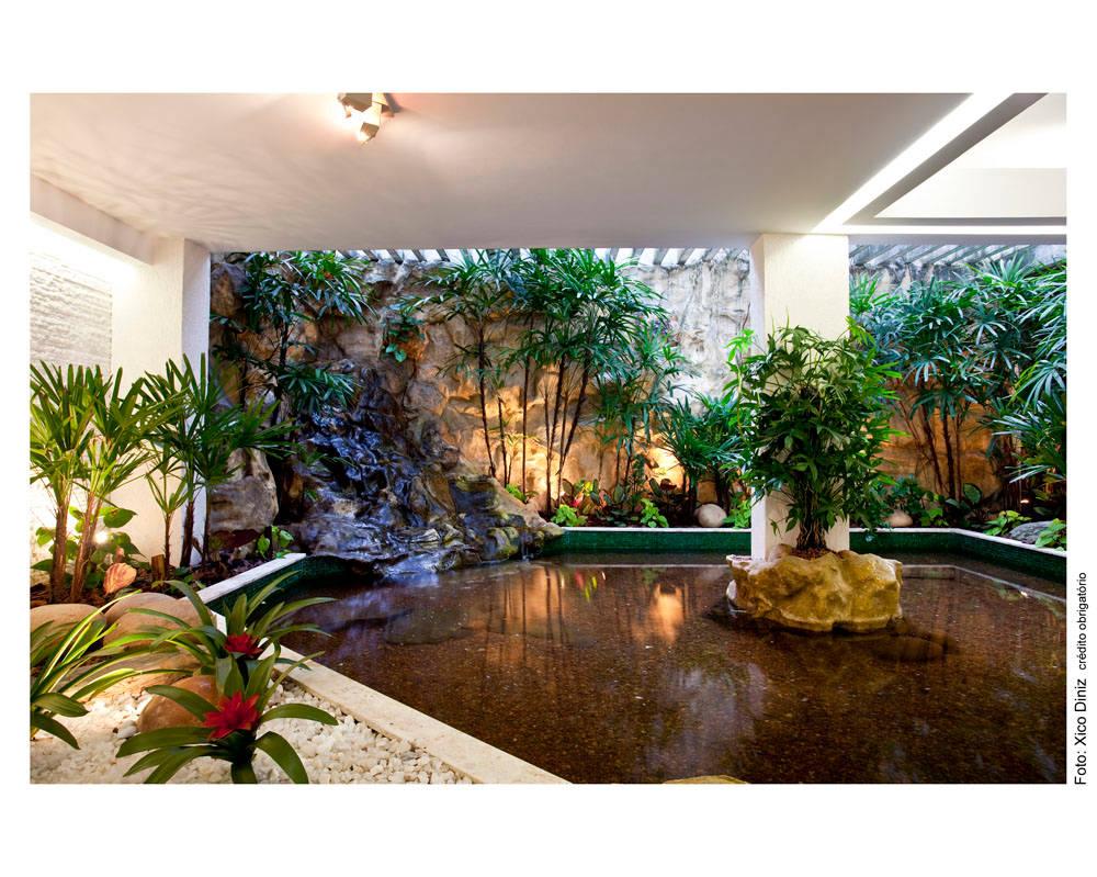 7 fuentes y cascadas de interior para casas modernas