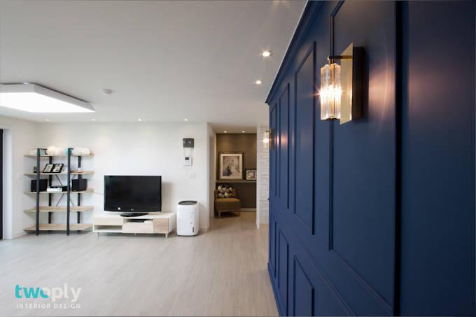 파란색 포인트의 분위기 있는 아파트 인테리어
