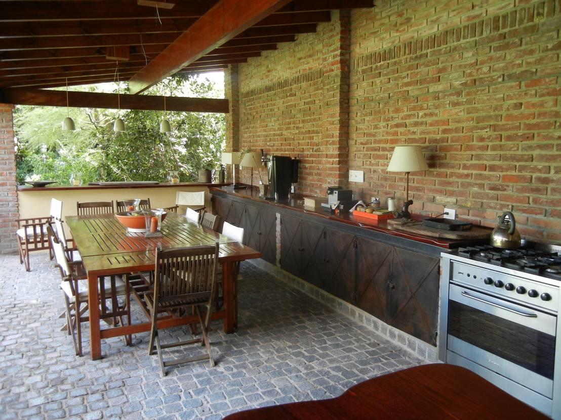 Quinchos familiares decoraci n y estilo para un for Modelos de terrazas rusticas