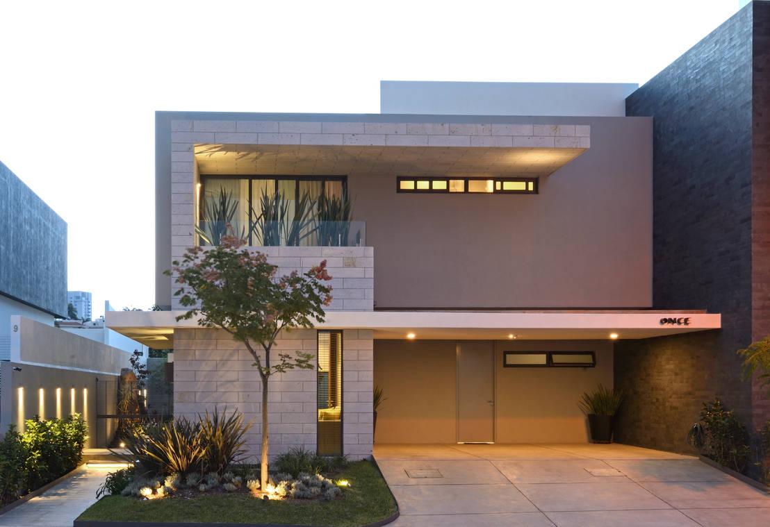 Casa moderna com um interior muito confort vel for Casa moderna 2 piani