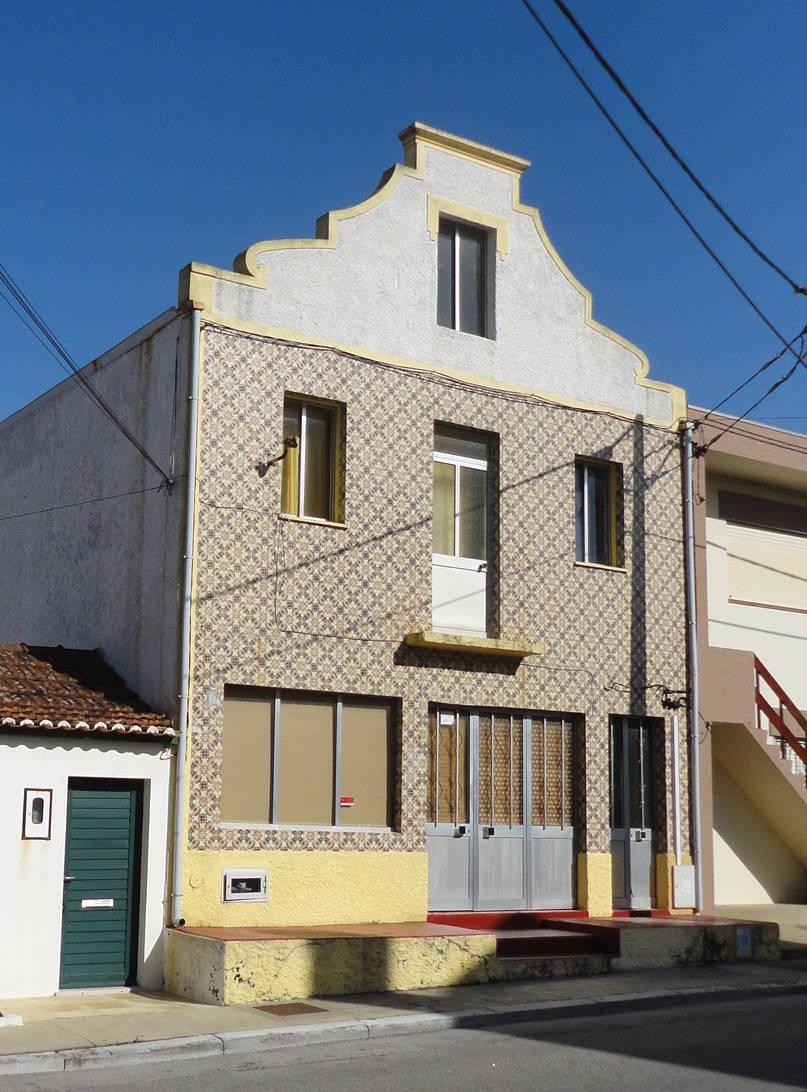 Una casa de playa moderna y r stica for Casa moderna y rustica