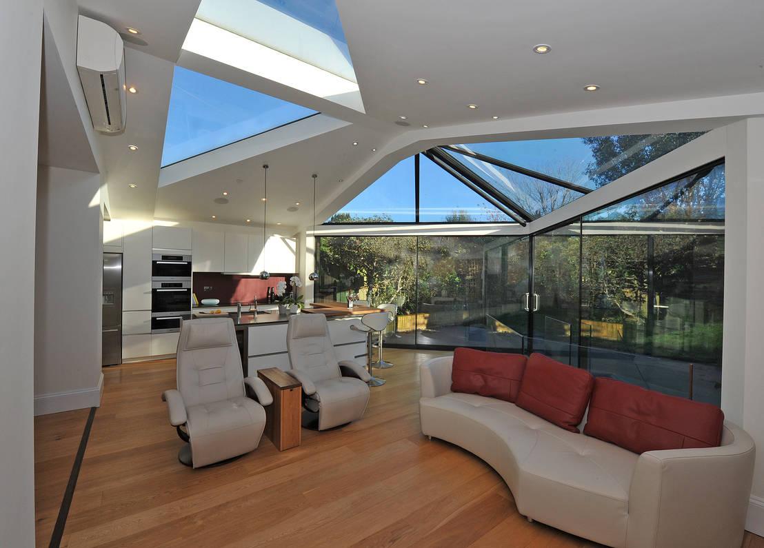 Haz de tu casa un espacio brillante instala un tragaluz for Cocina separada por un techo de vidrio