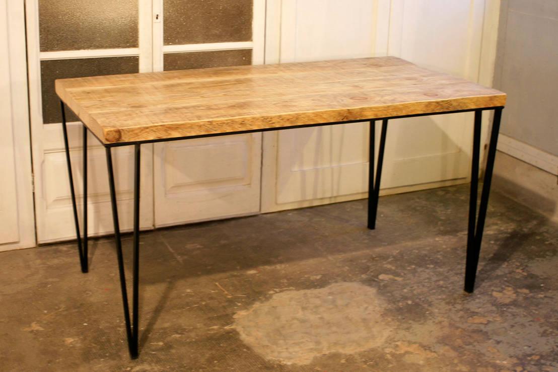 Mesa con patas de hierro en v de amato sole homify - Patas conicas para mesas ...