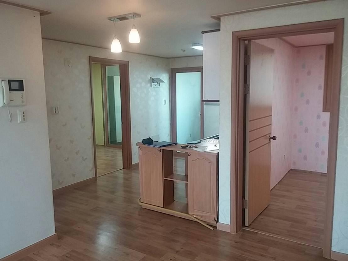 Reforma de una peque a casita con poco dinero for Reformar piso con poco dinero
