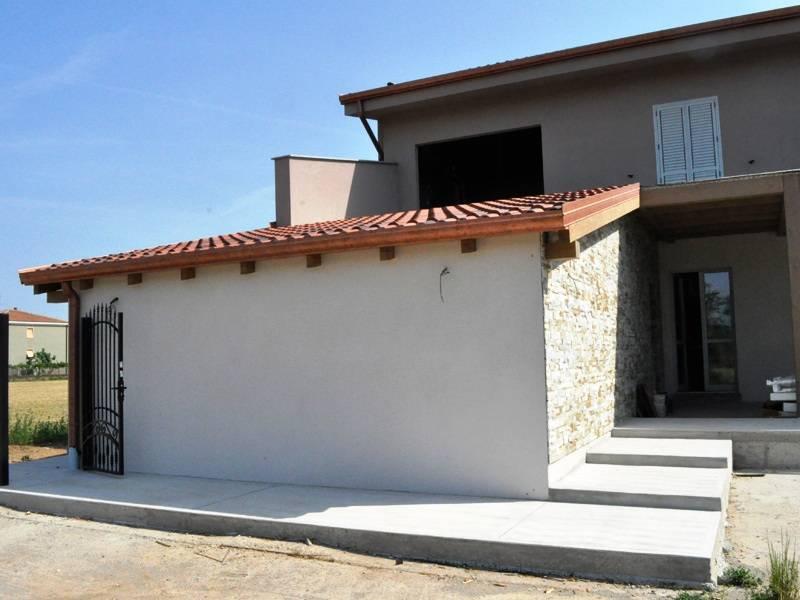 Una casa prefabbricata costruita con poco - Costo ampliamento casa ...