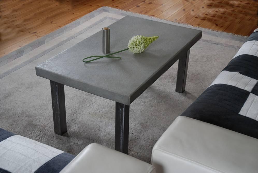 couchtisch mit betonplatte profesjonalista metall art moebel homify. Black Bedroom Furniture Sets. Home Design Ideas