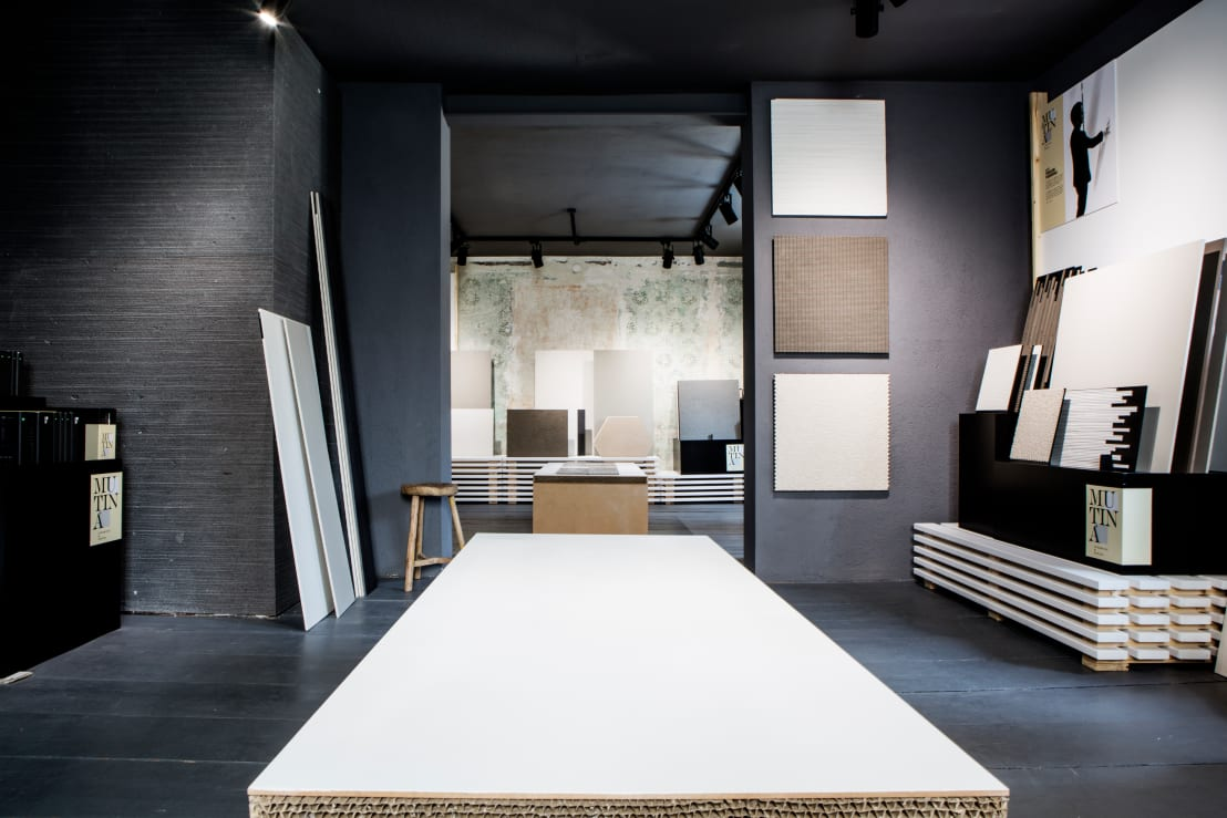 ausstellung von die fliese art design fliesenhandels gmbh homify. Black Bedroom Furniture Sets. Home Design Ideas