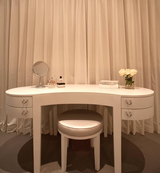 der perfekte schminktisch einrichtung dekoration und. Black Bedroom Furniture Sets. Home Design Ideas