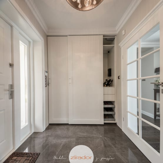 10 id es pour cr er une entr e belle et unique. Black Bedroom Furniture Sets. Home Design Ideas