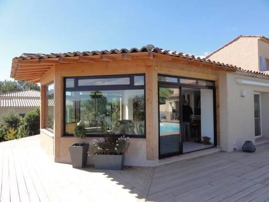 Construction d 39 une v randa panoramique pour un magnifique for Construction d une veranda