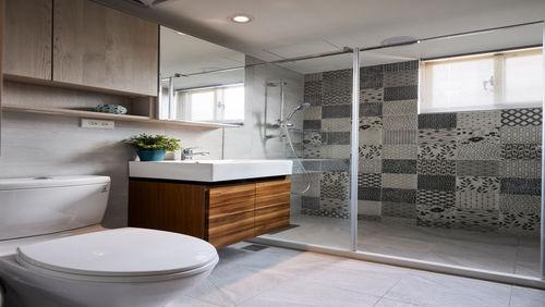 森林系的自然撞擊:10款涵括木質與石材的浴室設計
