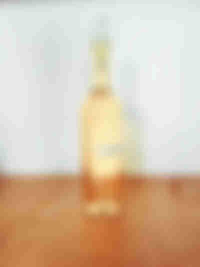 Etiquetamos la botella