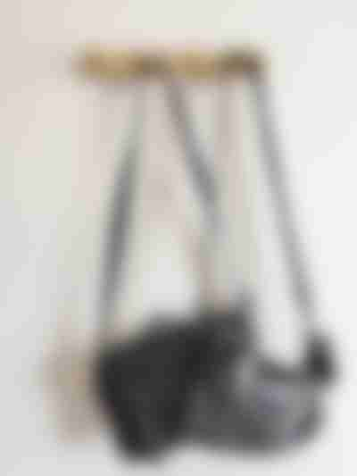 ワードローブ収納:ハンドバッグ