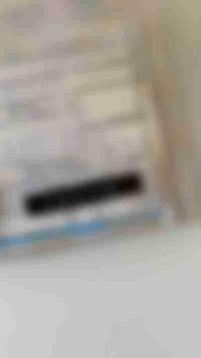 Paso 3: Coloque etiquetas en carpetas con una etiquetadora manual