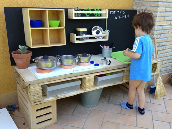 Pallet kitchen1