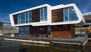 7 Floating Homes am Victoriakai - Hamburg by FLOATING HOMES | homify