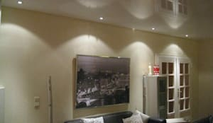 wohnzimmer mit lackweier spanndecke und lichtspiel - Raumdesign Wohnzimmer