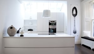 Historic House, Notting Hill, London: classic Kitchen by 4D Studio Architects and Interior Designers