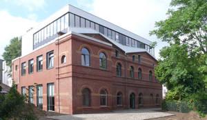 Ateliergebäude Berlin-Charlottenburg: industriale Häuser von boehning_zalenga  koopX architekten