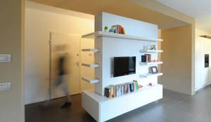 Salones de estilo minimalista de GRAZIANI & DICEMBRINO