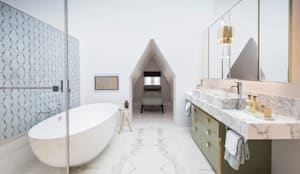 Master Bathroom: classic Bathroom by Roselind Wilson Design